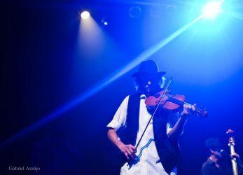 Lançamento do clipe Confidencial no Teatro do SESC da Esquina - 06/10/11 - Curitiba (PR)