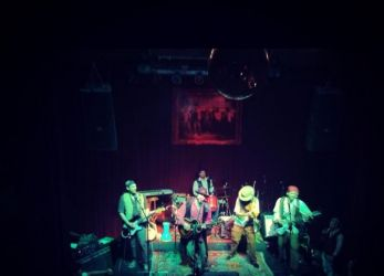 Lançamento do disco Canções de Assassinato no Jokers Pub - 07/12/12 - Curitiba (PR)